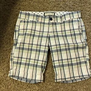 Abercrombie and Fitch plaid shorts size 4